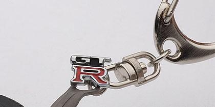 NISSAN SKYLINE GT-R (R33) WHEEL KEYCHAIN (WITH GT-R EMBLEM HANGED)